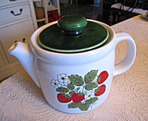 Mccoy Strawberry Line Teapot