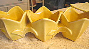 Mccoy Triple Tulip Planter