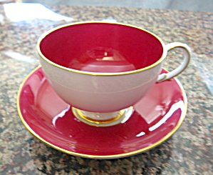 Paragon Pedestal Queen Mary Teacup