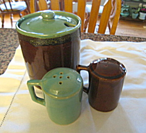 Zanesville Country Fare Shakers