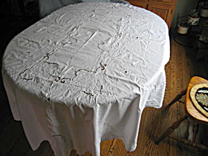 Vintage Oval Cotton Lace Tablecloth