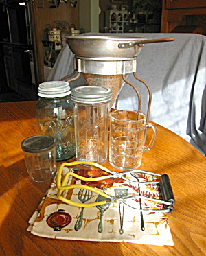 Wear-evervintage Berry Canning Gadgets