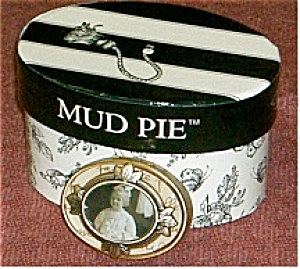Mud Pie Oval Pill Box With Little Girl