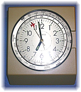Battery Operated Aeroplane Clock With World Timezones.