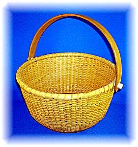 Nantucket Basket Signed 'thr' Round 9 Inch