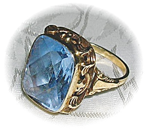Ring Antique 10k Gold With Large Blue Stone