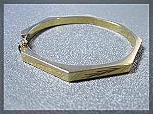 Bracelet 14k Yellow Gold Hexagonal Hinged Bangle