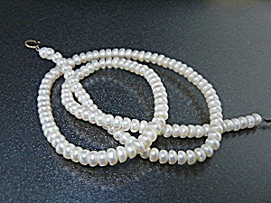14k Gold Clasp Freshwater 4mm Pearls Necklace