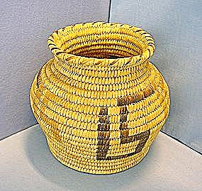Native American Papago (Tohono O'odham) Basket