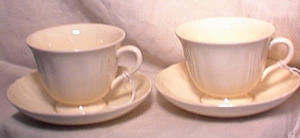 Pr Wedgwood Queens Cups & Saucers