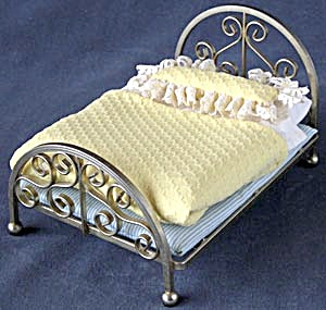 Vintage Metal Doll Bed With Bedding