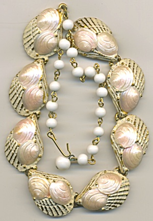 Vintage White & Gold Shell Chocker