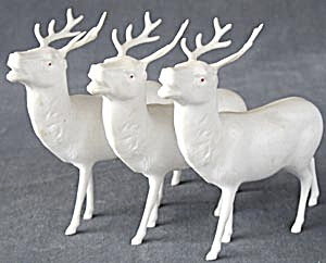 Vintage White Large Plastic Reindeer Set Of 3