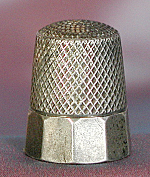 Vintage Sterling Thimble: Faceted Border