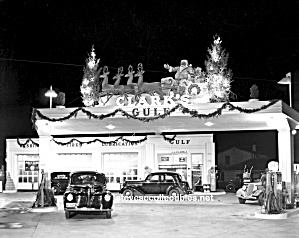 Ca.1939 Clarks Christmas Gulf Gas Station Photo Print