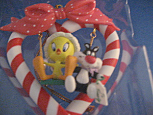 Looney Tunes Silverster And Tweety On Swing