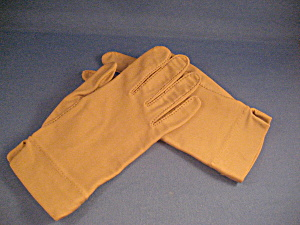 Isotoner Tan Gloves