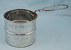 Two-cup, One Handed Sifter