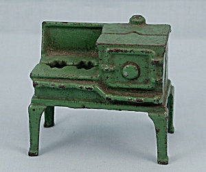 Kilgore - Cast Iron - Dollhouse Furniture - No. T.-7 - Green Toy Gas Stove, B