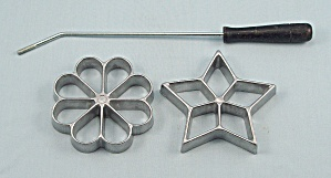 Molds/ Rosette Irons Cast Set Of Two