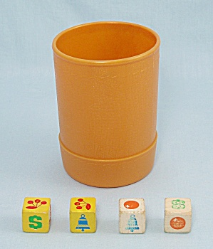 Jackpot Yahtzee Game, E.s. Lowe, 1980, 4 Replacement Wooden Dice And Dice Cup