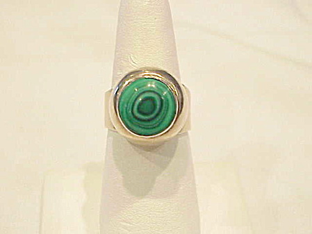 Mexcan Sterling Silver And Malachite Dome Ring Signed Th-122
