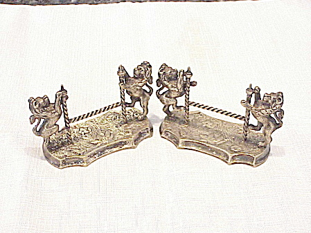 Pair Of Victorian Silver Knife Rests With Standing Lions - Book Pieces