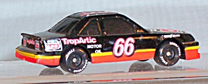 #66 Cale Yarborough Phillips 66 1:64