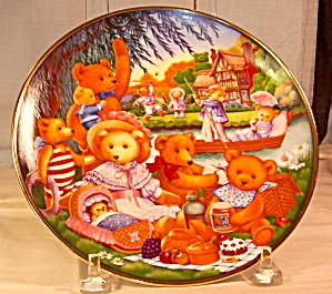 A Teddy Bear Picnic By Carol Lawson-1991