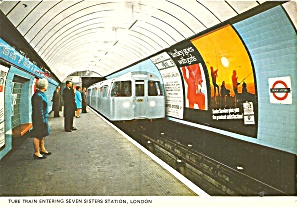 London England Tube Train Seven Sister Station Cs11890
