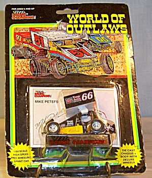 Mike Peters #66 Sprint Car World Of Outlaws 1:64 Dieca